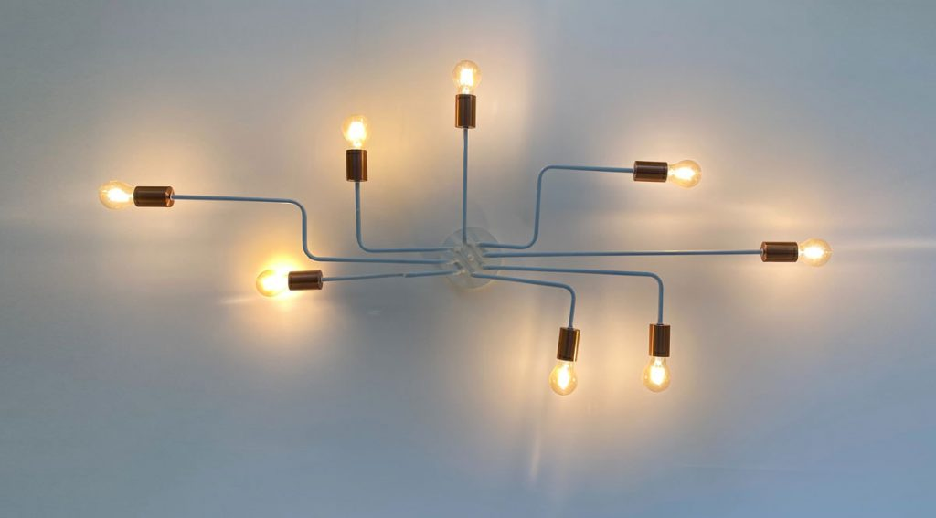 Image of a network of lightbulbs